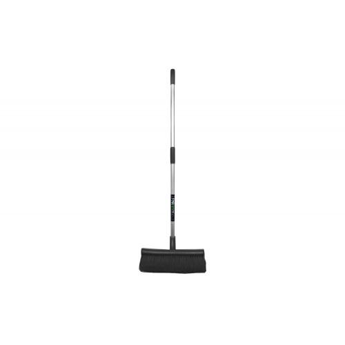 No.7131 Stable Brush and Scraper